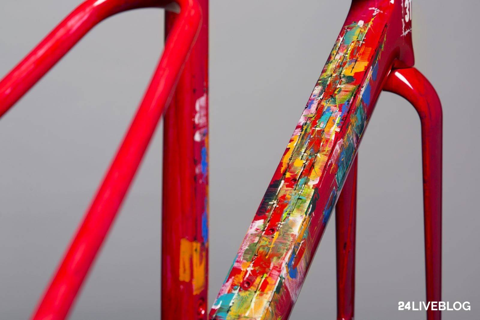 Masked thieves steal 20+ bikes including unique frame painted by Dario  Pegoretti in raid on3T aa26bc0b9