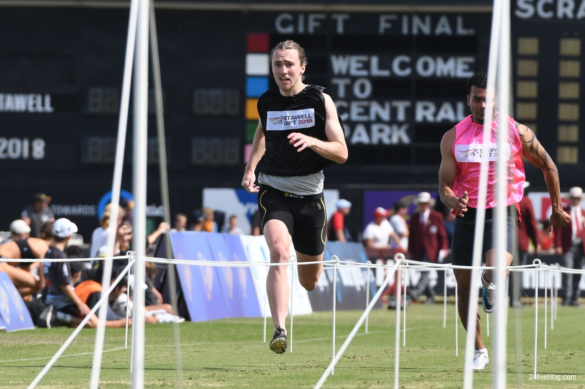 Re live the magic follow the 2018 stawell gift as it happened keast won the ararat gift ealier this season but reaching the stawell gift final is by far the biggest moment in his athletic career to date negle Choice Image